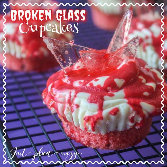 Broken Glass Cupcakes are a spooky and tasty way to celebrate Hallowe'en. Check out the rest of the #12DaysOf Hallowe'en Crafts and Recipes @ GagenGirls.com