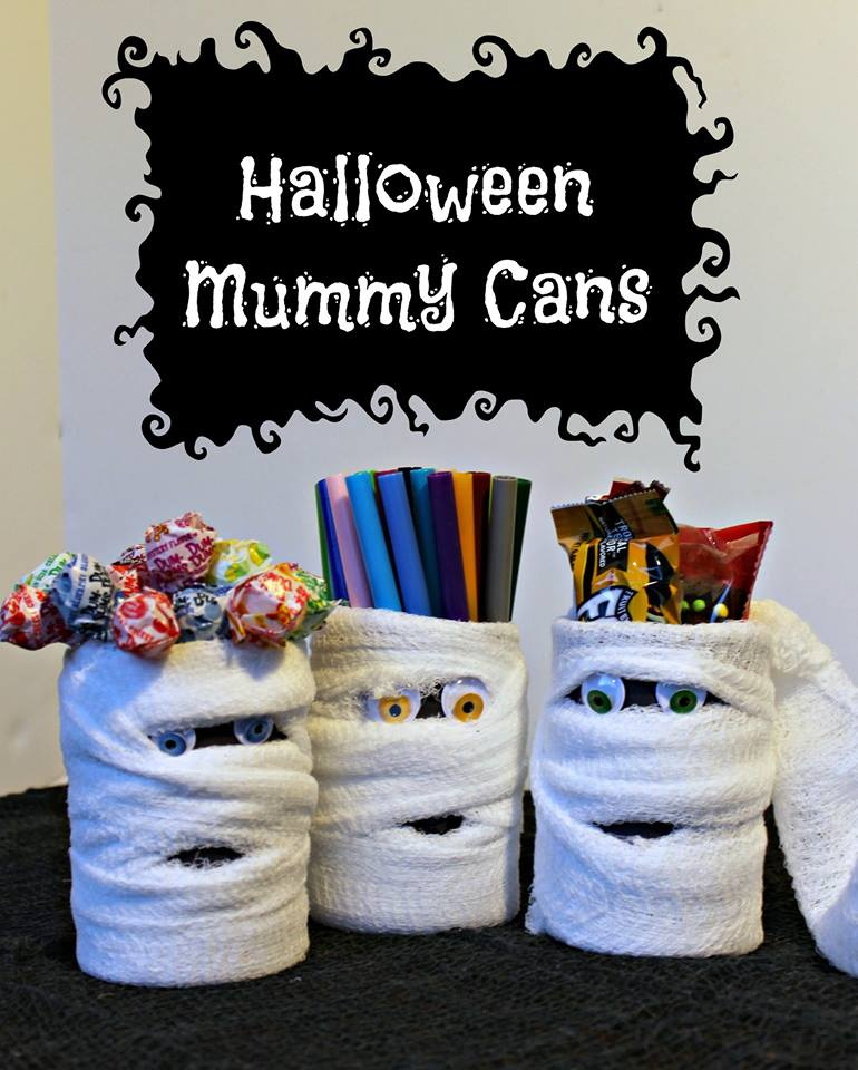 These Halloween Mummy Cans are Day 9 of the #12DaysOf Halloween Crafts and Recipes @ GagenGirls.com