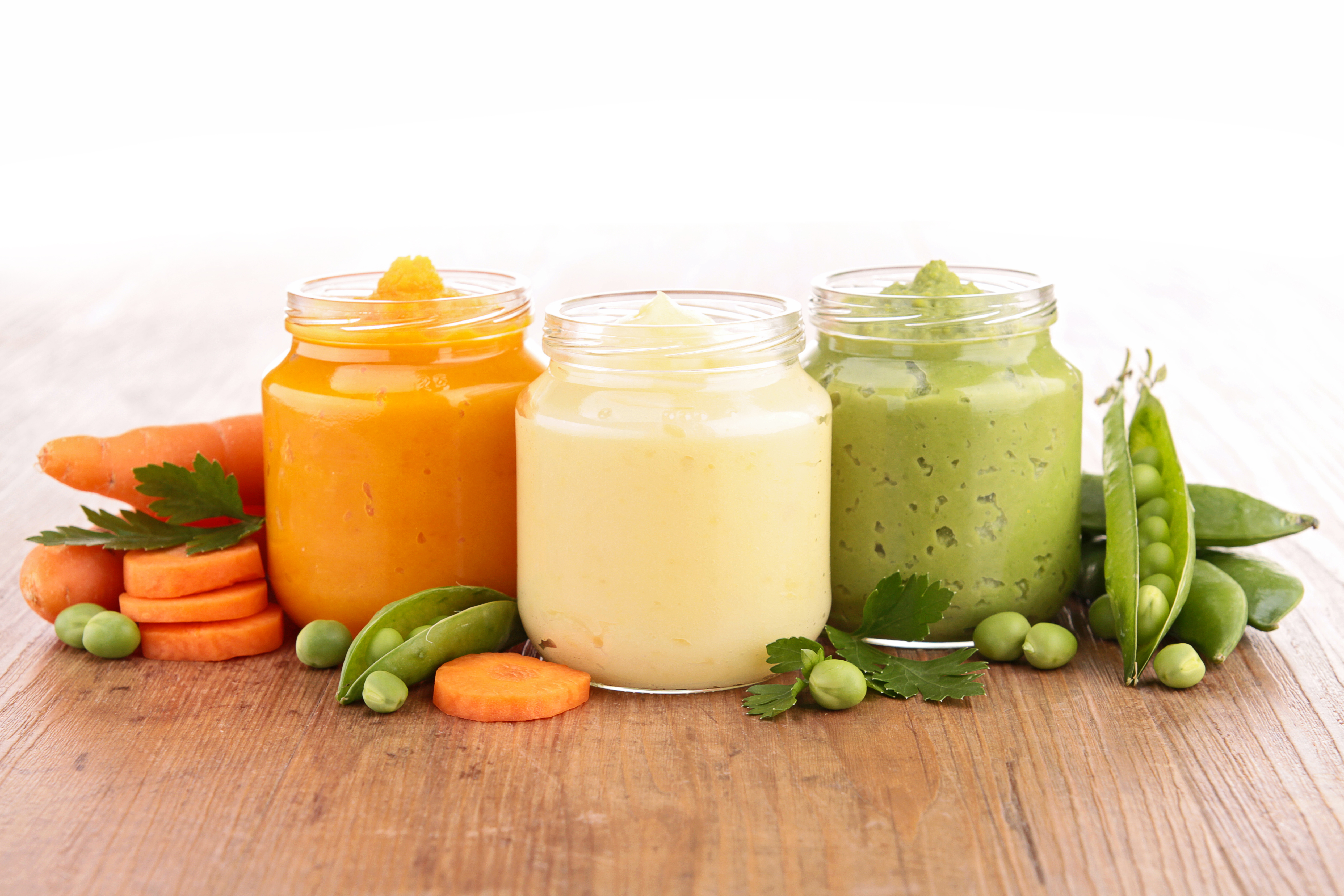 Starting your baby on solid food soon? You'll want to read this FAQ from FTMs!